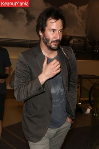 Keanu Reeves has a flight to catch at LAX Keanu Reeves